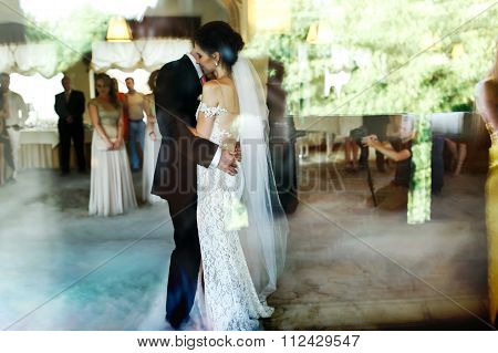 Romantic And Sensual Couple Beautiful Bride And Groom Dancing Re