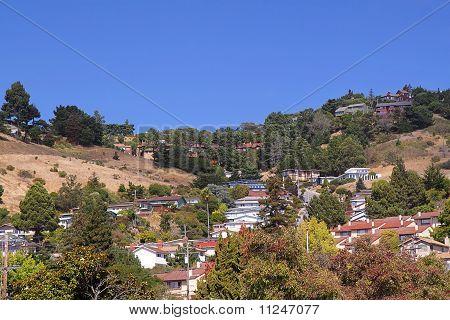 Uma cidade nas colinas