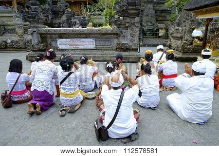 Local People praying at holy spring water temple Pura Tirtha Empul