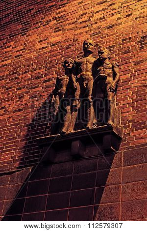 Sculpture of the young boys