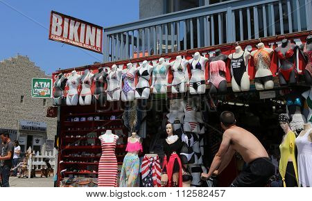 Venice Beach Shops, In Los Angeles, Califonia, Usa