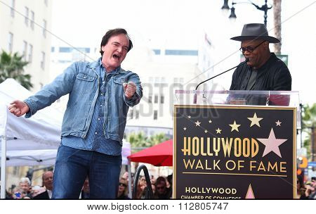 LOS ANGELES - DEC 21:  Quentin Tarantino & Samuel L. Jackson arrives to the Walk of Fame honors Quentin Tarantino  on December 21, 2015 in Hollywood, CA.