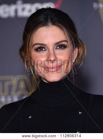 LOS ANGELES - DEC 14:  Maria Menounos arrives to the