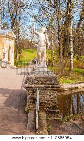 Spring in Pavlovsk park