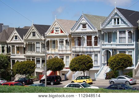 Victorian Houses On Alamo Square, San Francisco, Usa
