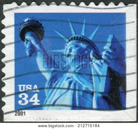 Usa - Circa 2001: A Postage Stamp Printed In Usa, Shows One Of The Symbols Of America, Statue Of Lib