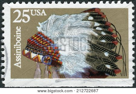 Usa - Circa 1990: Postage Stamp Printed In Usa, Shows Indian Headdresses, Assiniboin, Circa 1990