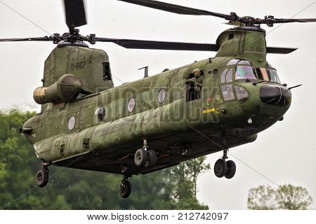 Boeing Ch-47F Chinook Transport Helicopter