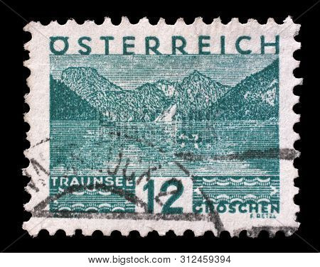 ZAGREB, CROATIA - SEPTEMBER 05, 2014: Stamp printed in Austria shows Traunsee, Upper Austria, circa 1932.