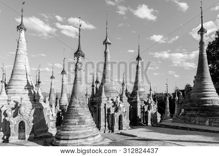 Inle Lake, Myanmar - 30 November, 2018: Black And White Picture Of Beautiful Architecture Of Indein