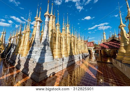 Inle Lake, Myanmar - 30 November, 2018: Wide Angle Picture Of A Plenty Of Golden Stupas At Indein Te