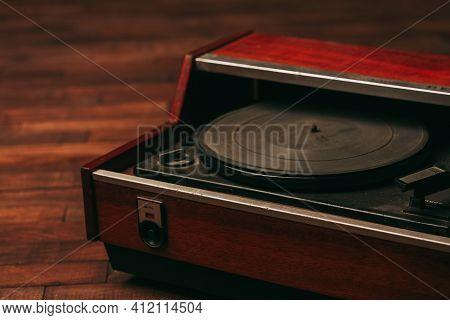 Retro Gramophone Records Turntable Antique Nostalgia Vintage