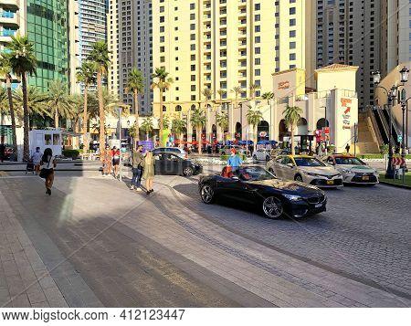 Dubai - Uae - December 11, 2020: View On Jbr Street. Jumeirah Beach Residence. New Luxury District I