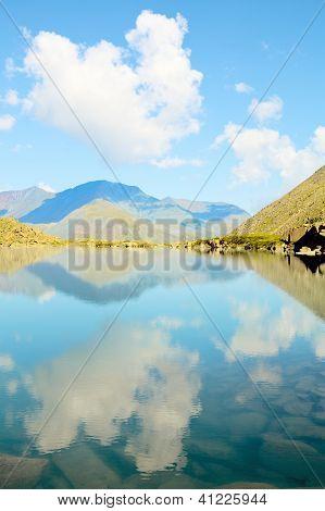 türkisblaue Bergsee