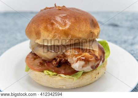 Bbq Roasted Chicken Sandwich Has Melted Cheese, Tomatoes, Lettuce, Complete Half Chicken Breast Meat