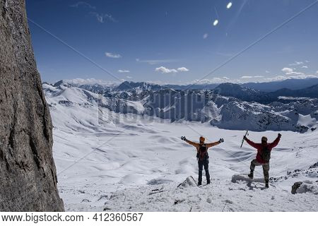 Happiness Of Mountaineers To Reach The Summit, Brave Status And Magnificent View