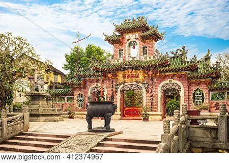 January 1, 2018: Phuc Kien Assembly Hall Located In Hoi An, Vietnam. It Was Built Around 1690s For R