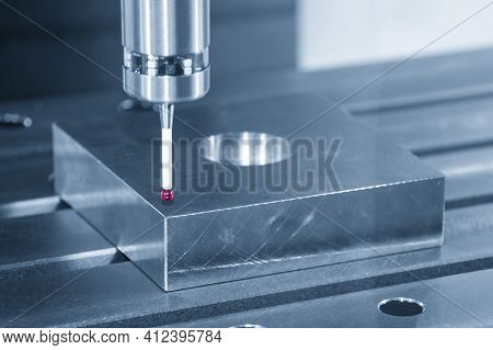 The  Cmm Machine Checking The Dimension  The Mold Part . The Quality Control Of Mold And Die Parts W