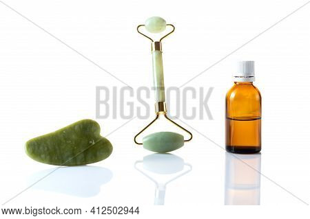 Cosmetic Stones For Face Skin Care. Stones And Makeup Oil.