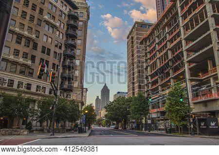 Atlanta, Ga Usa - 06 14 20: Downtown Atlanta Morning  Covid-19 Buildings And Empty City Streets