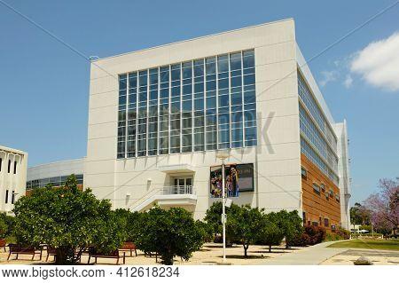 FULLERTON CALIFORNIA - 23 MAY 2020: Orange Grove at Mihaylo Hall on the Campus of  California State University Fullerton, CSUF.