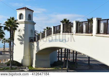 HUNTINGTON BEACH, CALIFORNIA - 22 JAN 2020:  Pedestrian Bridge. The bridge spans the Coast Highway from the Hyatt Regency to the beach side.