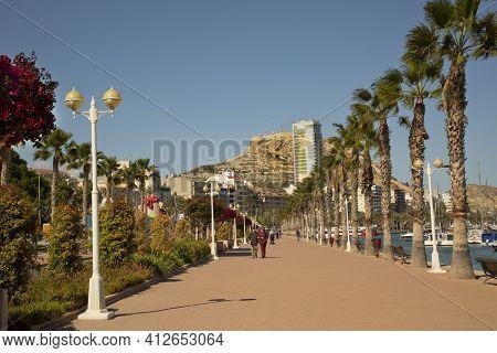 Alicante, Spain. 24 April 2017. Prospect Av Del Almirante Julio Guillen Tato  With Views Of Castle S