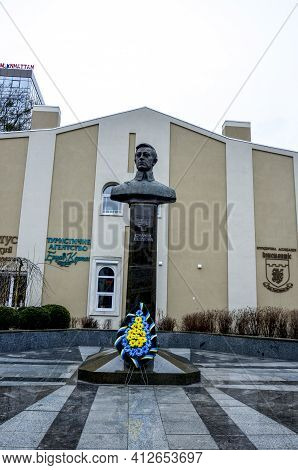 .monument To Simon Petlyura (petliura), The Main Chieftain Of The Troops And Fleet Of The Ukrainian