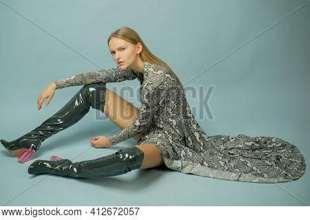 Trendy Outfit. Beauty Fashion Clothes. Gorgeous Glamour Vogue Woman. Provocative Snake Print