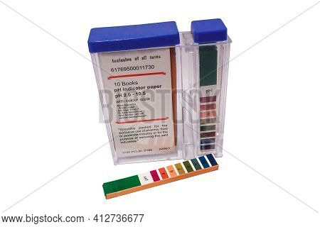 Closeup Of A Box Of Ph Indicator Test Strips On A White Background. Ph-indicatorstrips, Not Bleeding