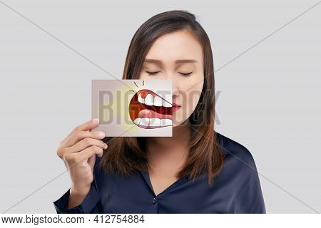 Asian Woman In The Dark Blue Shirt Holding A Paper With The Periodontal And Gingivitis Cartoon Pictu