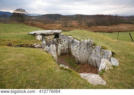 Capel Garmon Burial Chamber, Site Of A Prehistoric Chambered Long Cairn Near Betws-y-coed, Wales, Uk