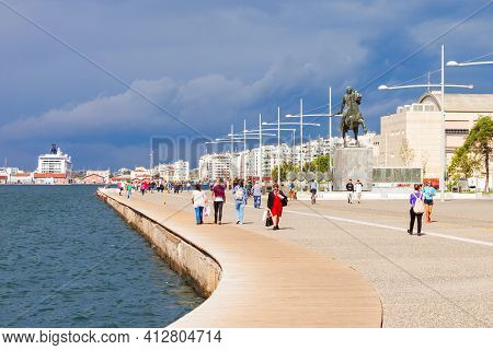 Thessaloniki, Greece - October 12, 2016: Thessaloniki Seafront Promenade In Central Macedonia, Greec