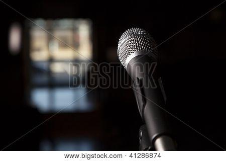Dramatic Microphone