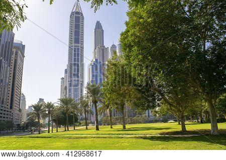 Dubai - Uae - December 18, 2020: Dubai - Al Sufouh Second. Popular Media City Neighborhood With A Gr