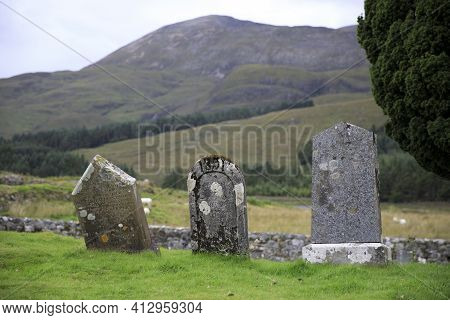 Cill Chriosd - Skye Island (scotland), Uk - August 13, 2018: Gravestones In The Graveyard Of Cill Ch