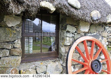 Skye Island (scotland), Uk - August 14, 2018: A Window In Skye Museum Of Island Life, Isle Of Skye,