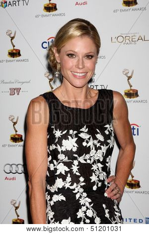 LOS ANGELES - SEP 20:  Julie Bowen at the Emmys Performers Nominee Reception at  Pacific Design Center on September 20, 2013 in West Hollywood, CA