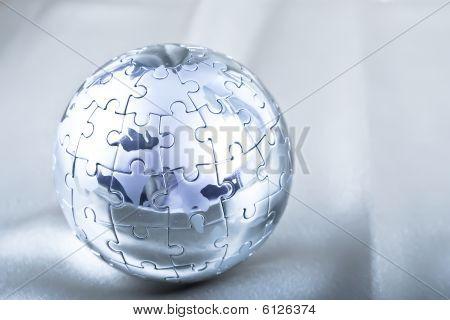 Metal Puzzle Globe