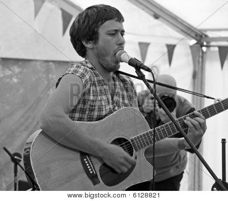 Harry Neve of Django Spears at the Apple Festival