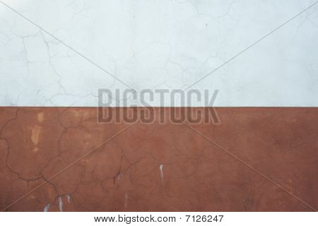 White & Brown Painted Paster Wall With  Fine Cracks