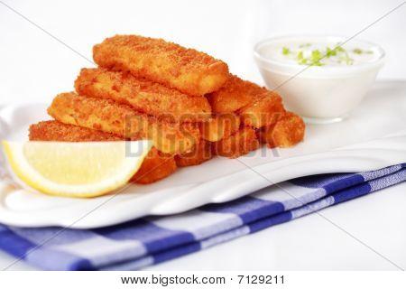 gebratener Fisch-Sticks mit remoulade