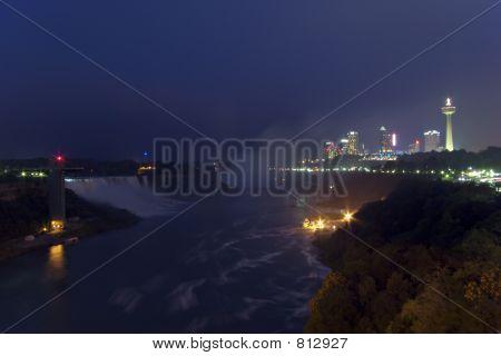 Niagara Falls and Skyline. (5162)