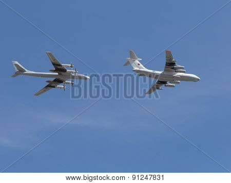 Tu-95Mc Bomber Flies Over The Il-78