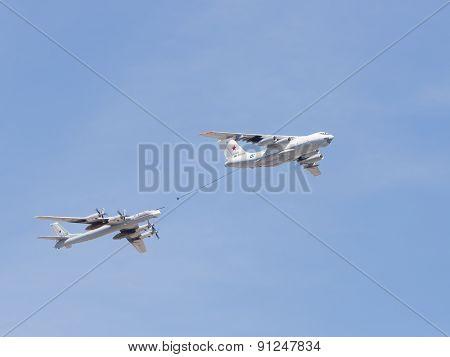 Plane Il-78 Tu-95Mc Runs