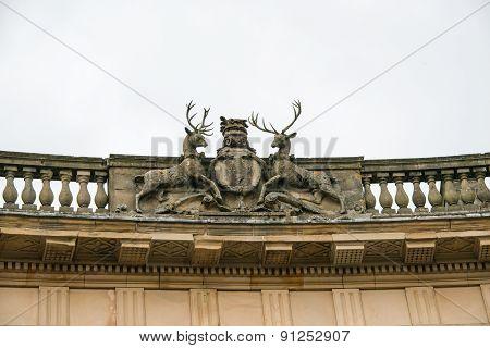 Crest on Buxton Crescent