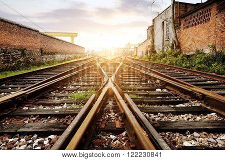 Railway at dusk under the exchange, go away