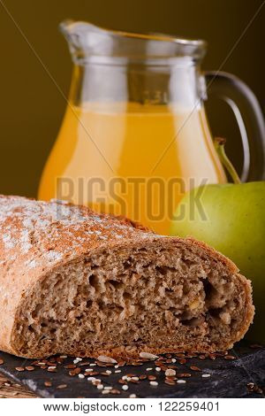Wholewheat Bread With Apple And Juice