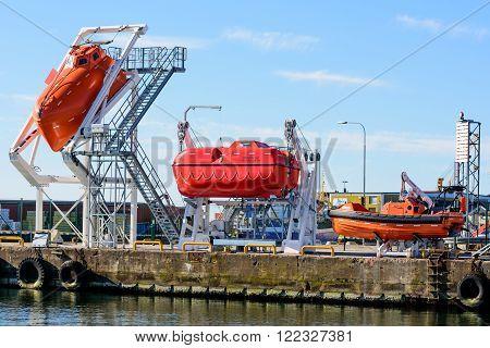 Training Lifeboats