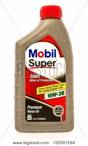 Winneconne WI - 23 August 2015: A quart of Mobil Super 5000 motor oil
